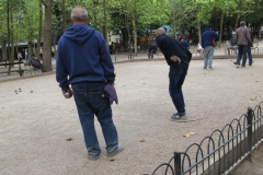 Paris_Luxembourg_Gardens_Petanque_9_ready_to_throw_IMG_7826